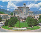 Broadmoor Hotel, Colorado Springs, Scenic Surroundings, Vintage Color Postcard, Travel Postcard, Travel Photo