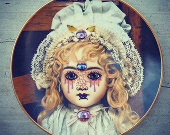 The AJ Remixed Vintage Plate OOAK 1979 mixed with 2015 Googly Eyes Glitter and Gothic Lolita.