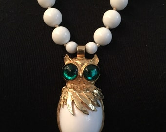 Outstanding Sophisticated 70's 3 Dimensional White Owl and White Beaded Pendant Necklace