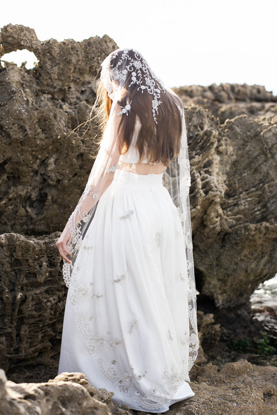 Wedding Veil,Bridal Veil,Tulle Veil,Crystal Veil,Embroidered Veil, Elbow Veil, Ivory Heirloom Veil, Beaded Veil - Style 003