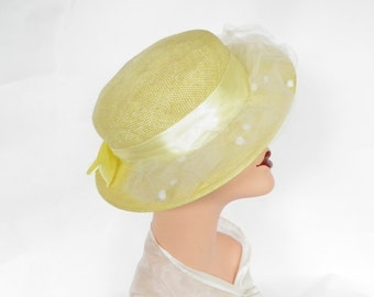 Vintage yellow boater hat, 1960s tilt with tulle, StreetSmart