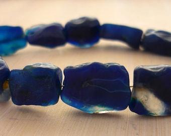 Hammer faceted mottled blue agate square beads 10-15mm 1/2 strand