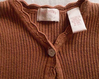 Soft Warm COTTON BABY SWEATER Stretchy Mocha Brown. Scallop Edges & Bottom, Long Sleeves, Front Button Opening, Vintage Aussie Made, 6/9 mos