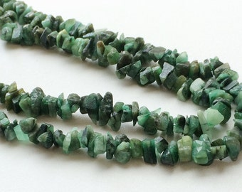 Emerald, Emerald Green Beads, Emerald Chips, Emerald Green Gemstone, Emerald Necklace, 6-8mm Beads, 32 Inch Strand