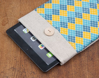 60% OFF SALE White Linen iPad Case with navy colorful Rhombus print pocket. Padded Cover for iPad 1 2 3 4. iPad Sleeve Bag.
