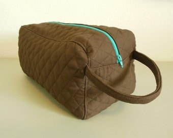 Shoe Carrier or Toiletry Bag -- Quilted Brown