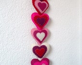 Pink felt hearts wall hanger / door hanger - 6 stuffed hearts