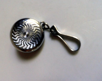 vintage KETCHAM McDougall retractable KEYCHAIN brooch / pin, purse pin, 1940's