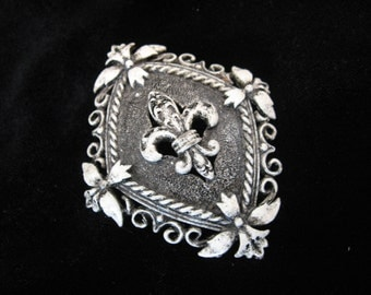 Vintage FLORENZA Fleur De Lis Enamel Brooch - Coat of Arms Shield  Brooch