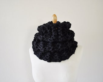 Chunky Black Cowl, Black Knit Cowl, Chunky Knitted Cowl, Handknitted Cowl
