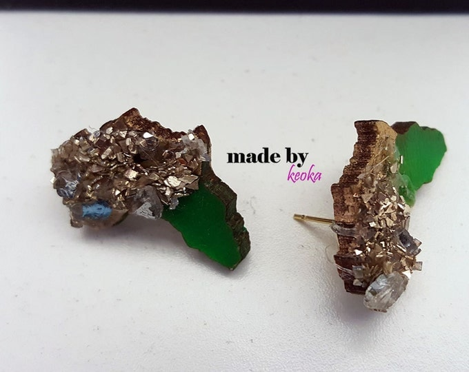 WOOD GLITTER Glass Crusted Mini Africa Studs