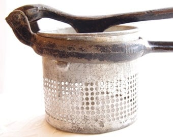 Vintage Masher Antique Ricer Rustic Farm House Country Kitchen Collectible Utensil Old 1930s Potato Masher Vintage Home Decor