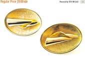 Retro GOLD Vintage Signed Sarah Coventry Oval Clip On Earrings