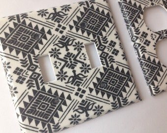 Aztec Light Switch Plate Cover/ Black White Double Light SwitchPlate / Tribal Nursery Decor / Teen Bedroom Decor Black White Bathroom Decor
