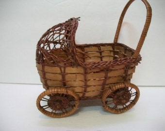 Vintage Wicker Basket, Baby Buggy Basket, Baby Shower Decoration, Baby Carriage Wicker Basket,