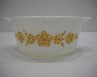 Vintage Pyrex Bowl Butterfly Gold 1 1/2 Quart Baking Dish Casserole Bowl