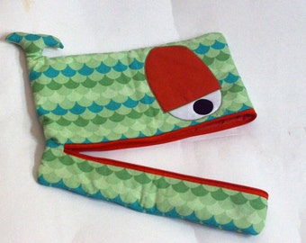 Wavy Whale laptop sleeve, lightly padded, 15 inch, green, blue and orange - ready to ship