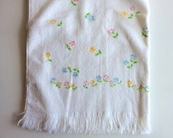 White and Small FLORAL Vintage Bath Towel