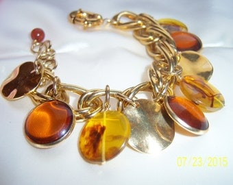 Vintage Contemporary Modern Gold Tone Large Link and Charm Bracelet