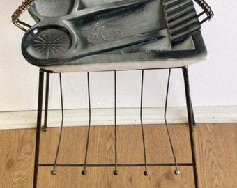 Vintage Mid Century Atomic Music Ashtray Wire Magazine Newspaper Rack Holder Stand