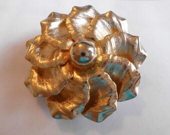 Valenza Brushed Gold Tone brushed Sunburst Flower Florentine Swirled  Pin / Brooch