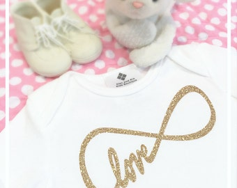 Love Baby Onepiece Suit Infinity Symbol Boy or Girl Bodysuit Glitter Baby Shower Gift Coming Home Outfit Photo Prop Modern Kids Clothes