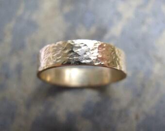 Men's hammered gold band ring - Men's hammered textured gold wedding band ring