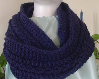 Infinity Neck Scarf, Hand Knit Infinity Neck Scarf, Handmade Infinity Neck Scarf, Gifts for Her, Navy Infinity Neck Scarf, Hand Made Scarf