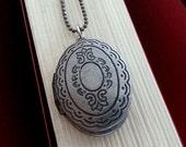 Oval Locket Necklace. Silver Locket. Keepsake Necklace. Small Locket. Bohemian. Vintage Locket. Long Necklace. Photo Locket