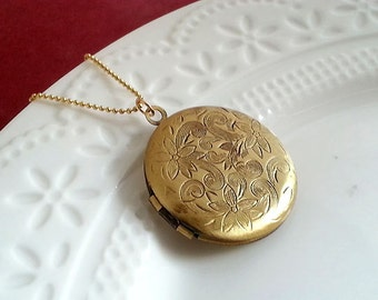 Locket Necklace. Brass Locket. Keepsake Necklace. Small Locket. Floral Locket. Vintage Locket. Long Necklace. Photo Locket