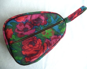 Mod carry case/ vintage flower travel case/ rose floral zip up carry on/ cosmetic/ shoes/ 60s 70s multi-purpose case