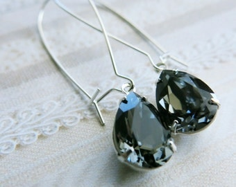 Navy Blue Swarovski Crystal Earrings Blue Bridal Earrings Bridesmaid Gift Bridal Jewelry Navy Blue Wedding