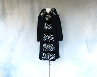 Vintage 60s luxurious black wool coat with op art black and white mink fur - 1960s high fashion vintage coat - Medium