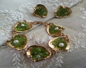 Vintage Bracelet & Earring Set with Peridot chips and Pearls