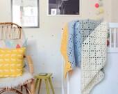 Filet crochet baby blanket --> english PDF PATTERN