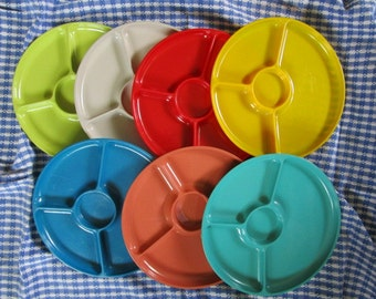 Assorted Colorful Vintage Picnic Plates // Camping // Glamping