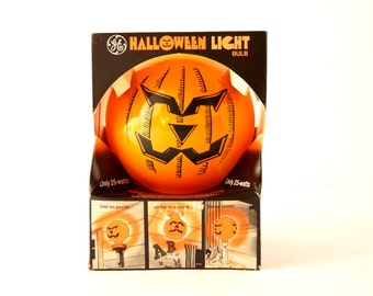 Vintage Halloween Pumpkin Face Light Bulb by GE in Original Box (c1970s) - Collectible Halloween Decor