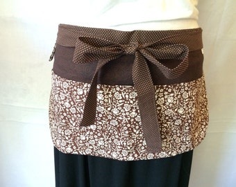 Utility Apron/Teacher Apron with 4 pockets and loop in brown and off white floral pattern and polka dots