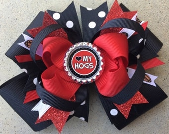 """ARKANSAS RAZORBACKS Hairbow in Red and Black with Bottle Cap 5"""""""