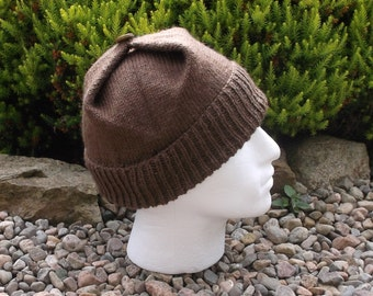 Light chocolate adult men's / teenage boy's hand knitted square hat.
