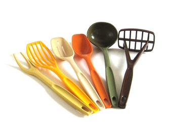 "Nylon Plastic Foley Kitchen Utensils Set Ladle Slotted Spoon Strainer Potato Masher Fork 70s Kitchen Retro (As-Is, see ""Item Details"")"