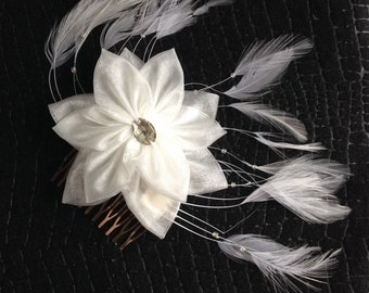 White Flower & Feather Hair Comb