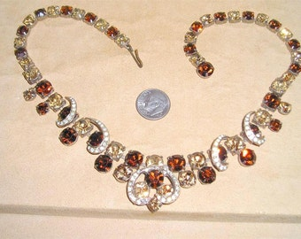 Vintage Necklace With Champagne & Whiskey Rhinestones 1950's Jewelry 2052
