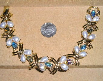 Vintage Signed Star Bracelet With Cats Eye Dragons Egg Glass Cabochons 1960's Jewelry A93