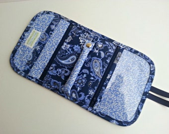 Quilted style Travel Jewelry Organizer Pouch in a Navy and Periwinkle Paisley print