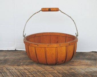 Vintage Maine Cranberry Wood Souvenir Basket