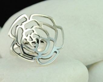 Rosebud  Ring - Solid Sterling Silver (L) - FREE Shipping