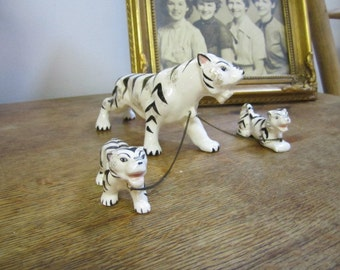 Chained Family Tigers. Lipper and Mann Chained Figurine. Tiger Momma and two cubs. Japan ceramics.
