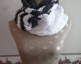 crochet cowl, chevron cowl, infinity scarf, gray cowl, crochet infinity scarf, crochet chevron, scarf, cowl, winter cowl, winter scarf