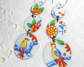 Vintage Recycled Tin Earrings, Bird Earrings, Vintage Daher Tin ala Bird Song Spring Flowers on Sky Blue . . . Lovely n' Sweet!